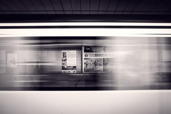 urbansignfrom-movingcar72dpi